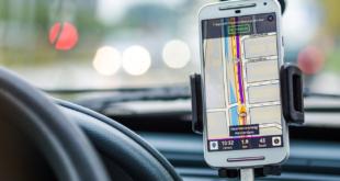 Smartphone Auto 310x165 - Autobauer tun sich schwer mit Smartphone-Integration